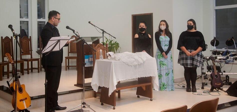 1ª Igreja Presbiteriana Conservadora de Curitiba - Profissão de Fé - Lays, Juliana e Thayse